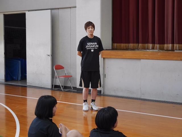 本校非常勤講師でバスケ部コーチの有田初枝先生(元WJBL選手)