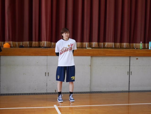 メイン講師の川原ゆい選手(本校バスケ部特任コーチ)